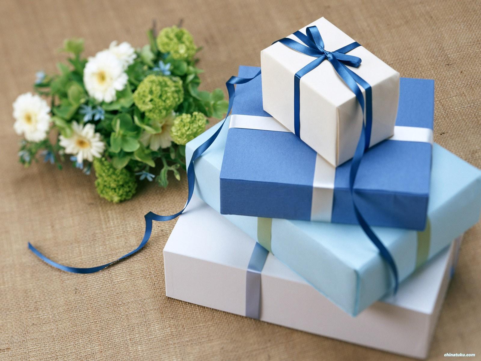 Tổng hợp những hộp quà ngày 8/3 ý nghĩa