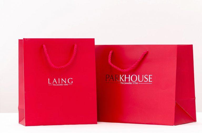 Túi giấy có quai mang đến những lợi ích gì?
