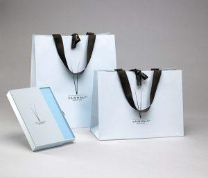 Túi giấy đẹp cho shop bán đồ thời trang