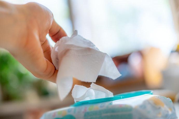 Tác hại của khăn giấy ước thay nước tẩy trang